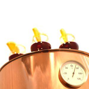 Glühwentopf mit glühweinglas und Glühweinthermometer